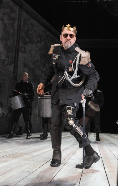 Photo Flash: Kevin Spacey as RICHARD III for The Bridge Project!