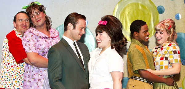 Larry Mahlstedt as Wilbur Turnblad, Douglas Cochrane as Edna Turnblad, Jonathan Brugioni as Link Larkin, Samantha Aaron as Tracy Turnblad, Ken-Matt Martin as Seaweed J. Stubbs, and Mary Craven as Penny Pingleton.