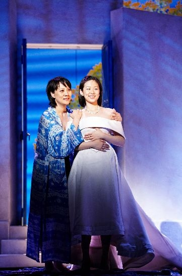 Photo Flash: Around the Broadway World - MAMMA MIA! Makes Its Way to China!