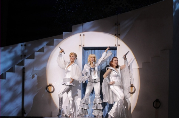 Photo Flash: MAMMA MIA's Current Broadway Cast in Action!