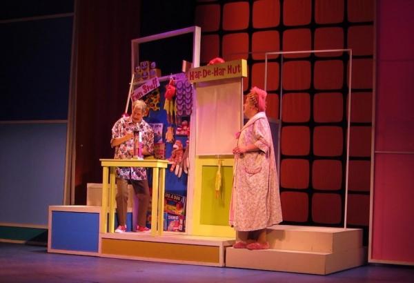 Bruce Rebold (Wilbur) and Bill Evans (Edna)