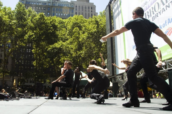 Photo Coverage: Aaron Tveit, Christopher Sieber, et al. Perform at Broadway in Bryant Park!