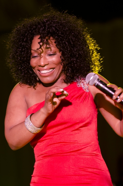 Photo Flash: Stephanie Mills Live in Philadelphia