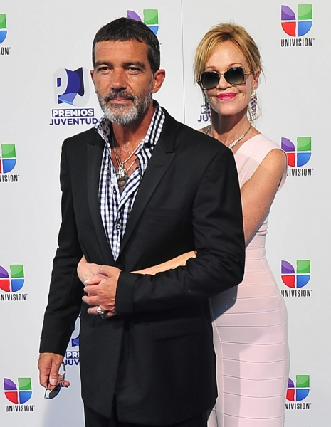 Photo Flash: Antonio Banderas Receives Super Nova Award