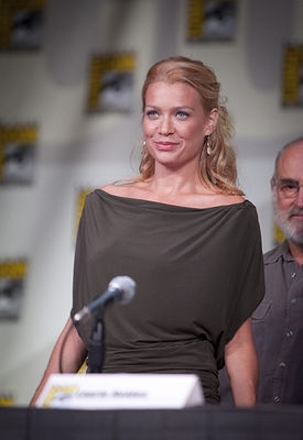 LAURIE HOLDEN  at WALKING DEAD At Comic Con