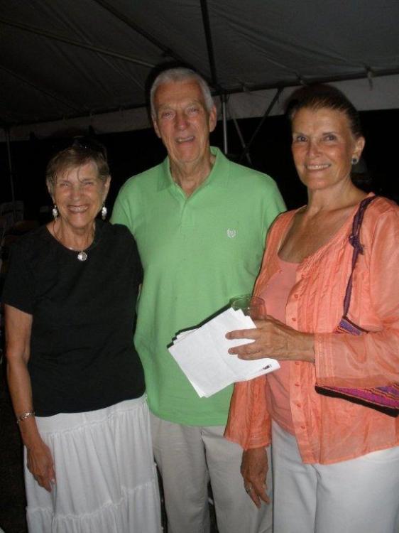 High Res  Bobbi & Vin Godleski with Carol Muller