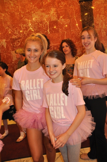 Photo Coverage: BILLY ELLIOT Celebrates National Dance Day with Sidewalk Warmup