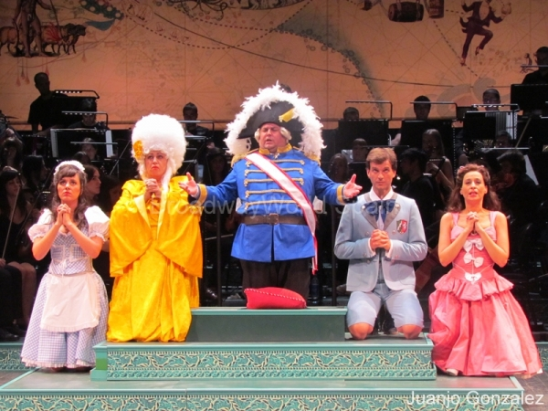 PHOTO FLASH: 'Candide' se estrena en el Auditorio de El Escorial