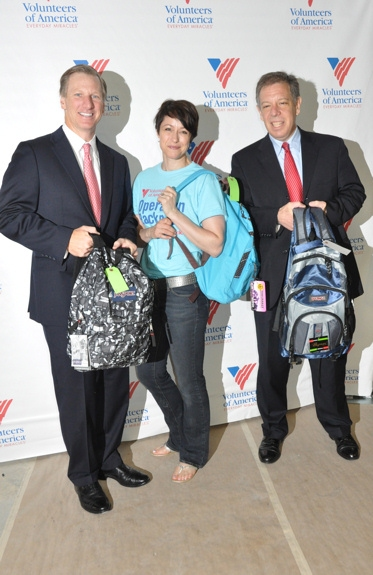 Photo Coverage: Paige Davis, et al. Volunteer for Operation Backpack