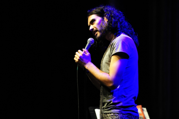 Photo Flash: Russell Brand Performs at Chumash Casino Resort
