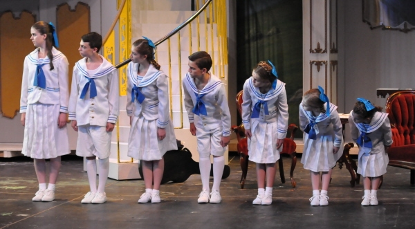 The von Trapp children: Gillian Gordon, Andrew Purdy, Isabelle Miller, Troy Costa, Victoria Blanchard, Natalie Hall, and Emma Schaufus