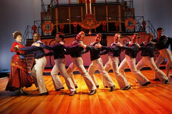 Christina Baldwin (Buttercup) and the sailors of H.M.S. PINAFORE