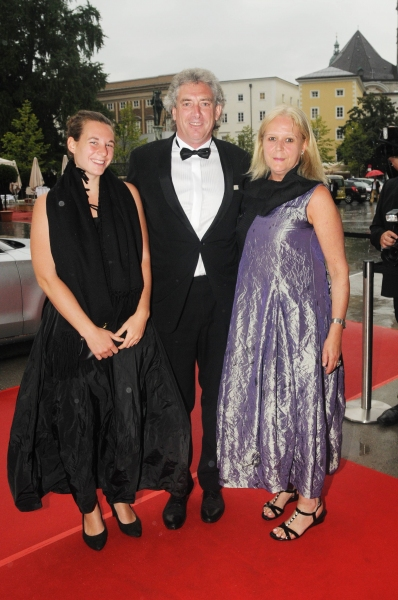 Photo Flash: MACBETH Arrivals at Salzburg Festival 2011