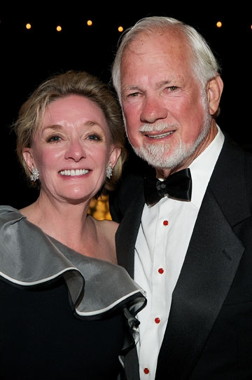 Mary Beth Adderley and Richard Wright at the 2011 Globe Gala Honoring Audrey Geisel, July 30, 2011. Photo by Carol Sonstein.