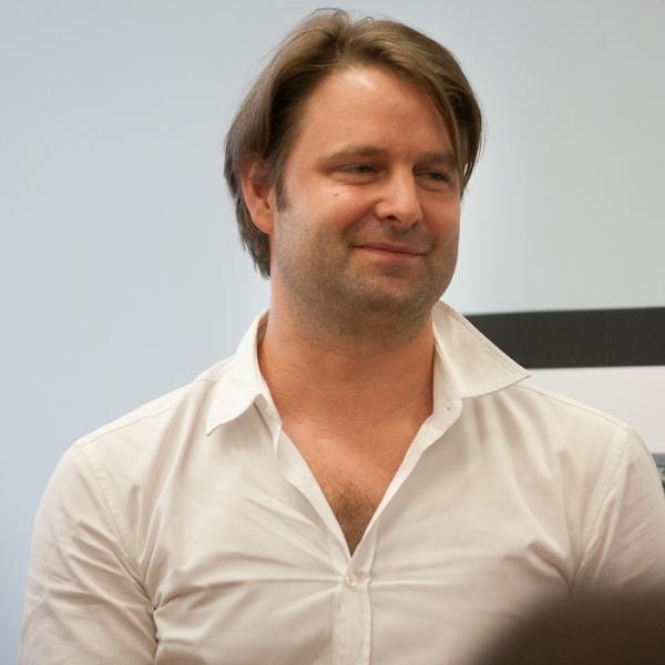 Sven Ortel (Projection Design)