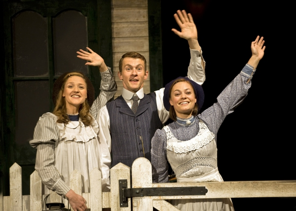 Grace Rowe, Tim Lewis, Grace Rowe, Amy Noble at THE RAILWAY CHILDREN Plays Waterloo Station Theatre