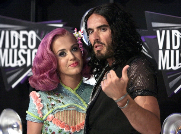 Katy Perry; Russell Brand  Photo