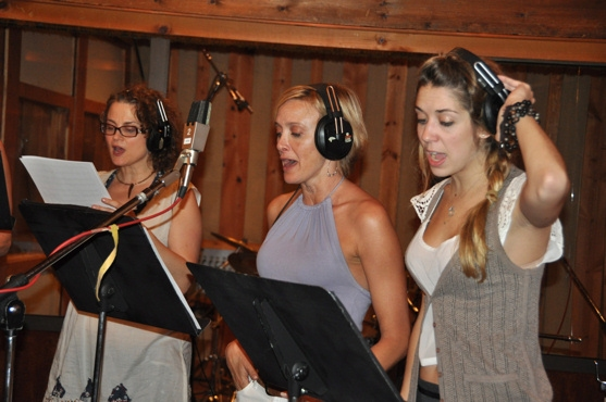 Anna Hoffman, Rachel de Benedit and Sara Andreas at CATCH ME IF YOU CAN Sings For 'Carols For A Cure'