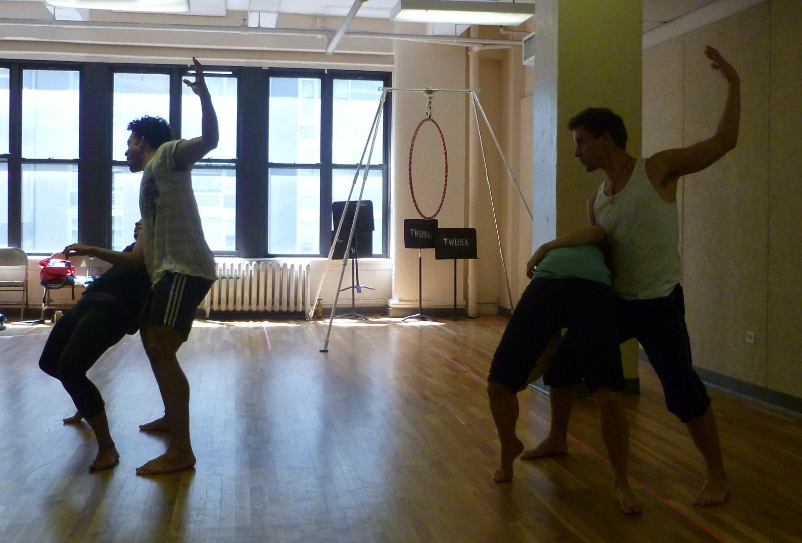BWW TV Blog: Broadway-Bound CHIX 6 in Rehearsal!