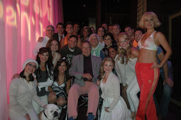 George H.W. Bush, Barbara Bush and the cast of LEGALLY BLONDE