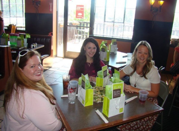 Rachel Agee, Jessika Malone and Jacki Johnson Photo