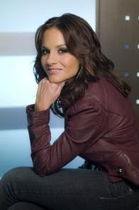 InDepth InterView: Kara DioGuardi Talks CHICAGO, BOOK OF MORMON, AMERICAN IDOL, GLEE & More!