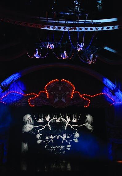 BWW Reviews: Cirque du Soleil's Brilliant IRIS Premieres at Kodak Theatre