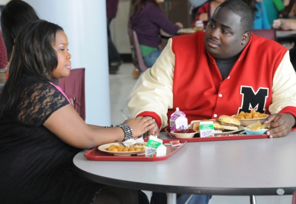 Mercedes (Amber Riley, L) and her new boyfriend Shane (LaMarcus Tinker, R) chat