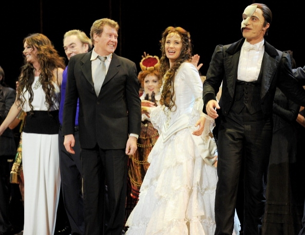Sarah Brightman, Lord Andrew Lloyd Webber, Michael Crawford, Sierra Boggess and Ramin Karimloo bow on stage