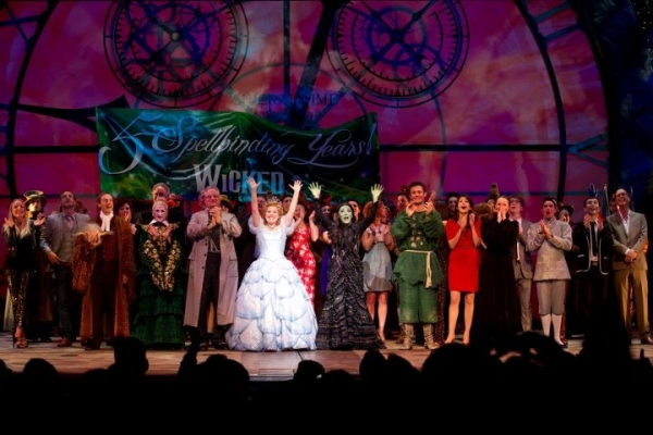 Photo Flash: West End's WICKED Celebrates 5th Birthday!