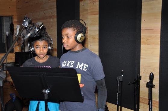 Imari Smith and Aubrey Omari
