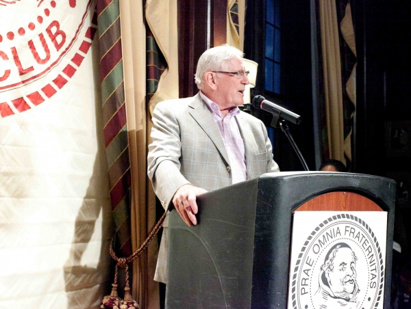 Len Cariou at Friars Foundation Holds Adopt -A- Scholar Reception