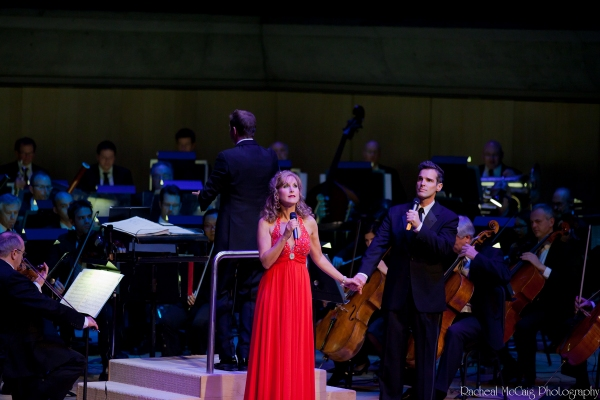 Jodi Benson and Hugh Panaro sing Moon River