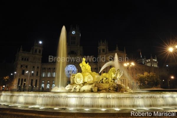 PHOTO FLASH: Madrid se ilumina en honor a El Rey León