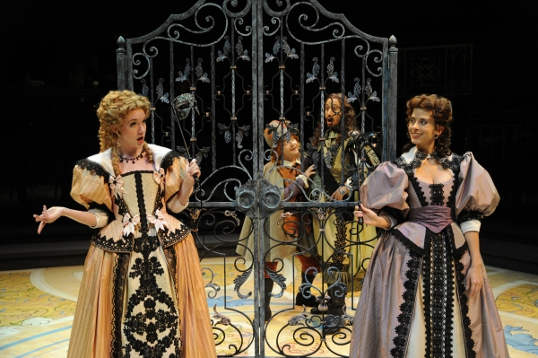 BWW Reviews:  Denver Center's THE LIAR - C'est Magnifique