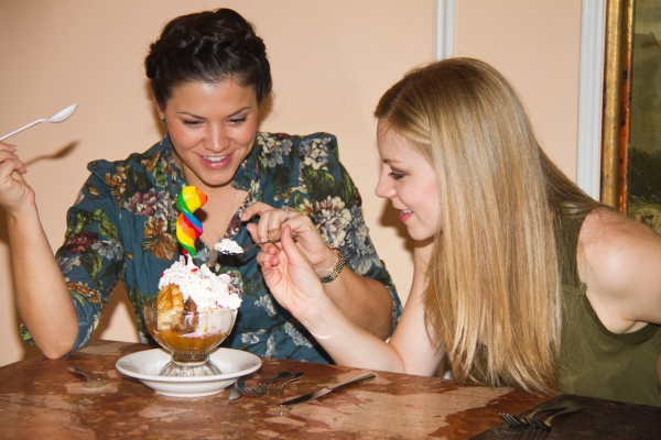 Sara Edwards & Kirsten Scott - Follies @ Serendipity - 10.12.11