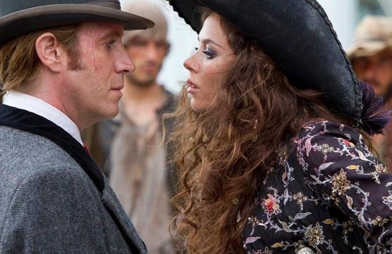 Rhys Ifans & Anna Friel