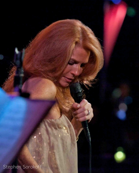 BWW Reviews: Kelly Clinton Plays the Metropolitan Room