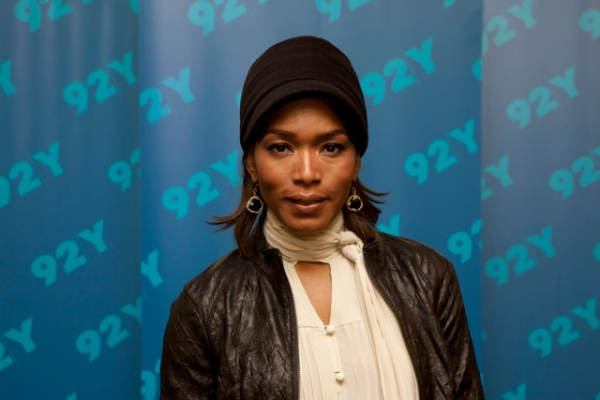 Photo Flash: Angela Bassett Visits BROADWAY TALKS