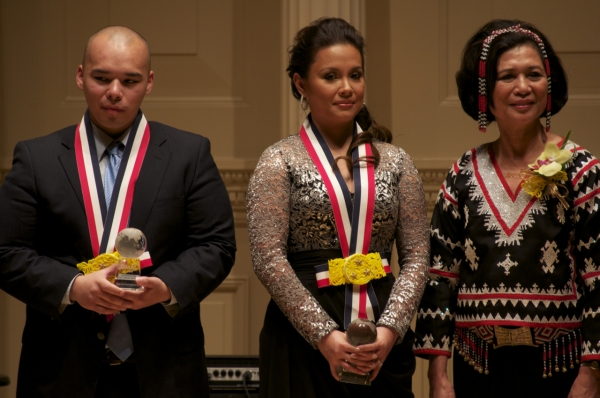 Filipino Reporter's Ryan Songalia, Lea Salonga, Loida Nicolas Lewis Photo