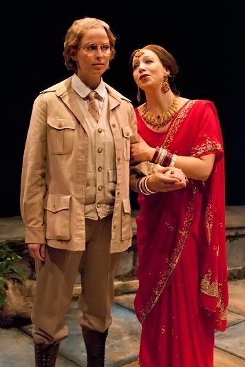 Allison Spratt Pearce as Viola and Deborah Radloff as Olivia Photo