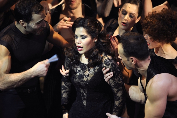 Photo Flash: First Look at America Ferrera in CHICAGO!