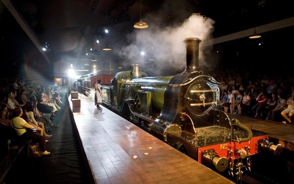 Photo Flash: THE RAILWAY CHILDREN At Waterloo
