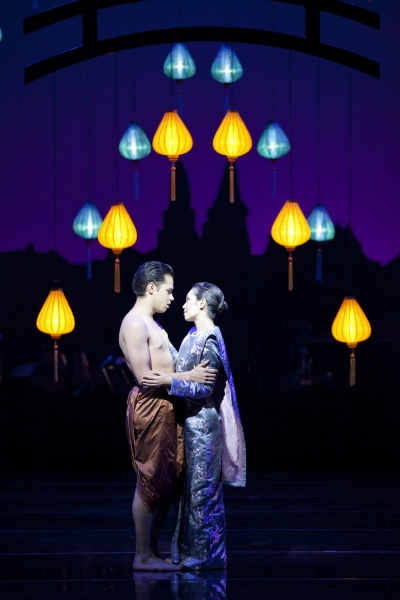 Josefina Gabrielle and Ramon Tikaram in THE KING AND I!