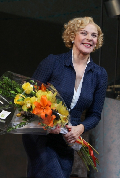 Photo Coverage: PRIVATE LIVES Broadway Opening Night Curtain Call!
