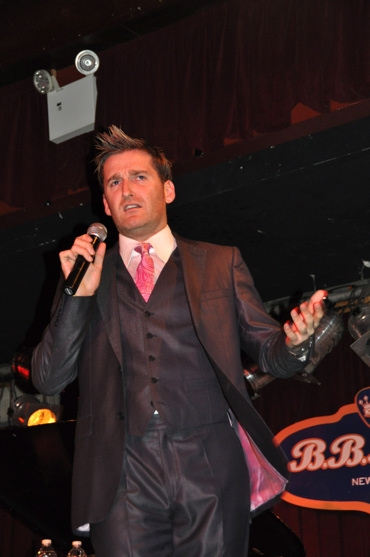 Photo Flash: Paul Byrom Plays B.B. Kings