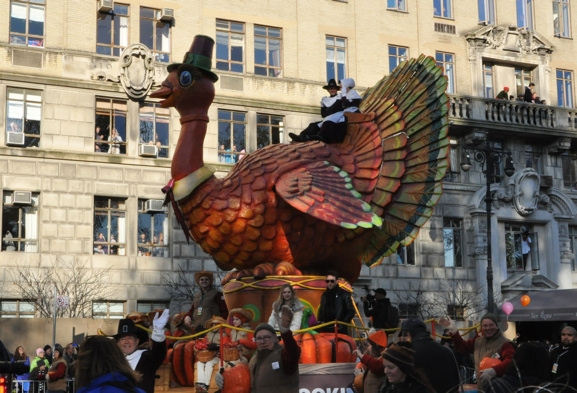 Avril Lavigne, Chef Gabriele Corcos and Debi Mazar on Tom Turkey Float