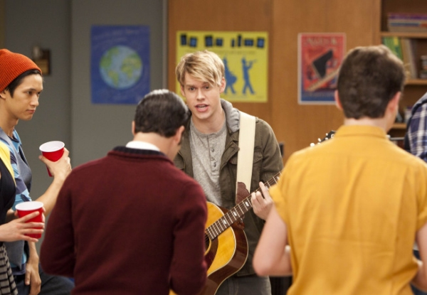 Photo Flash: First Look at GLEE's 'Hold On To Sixteen' Episode