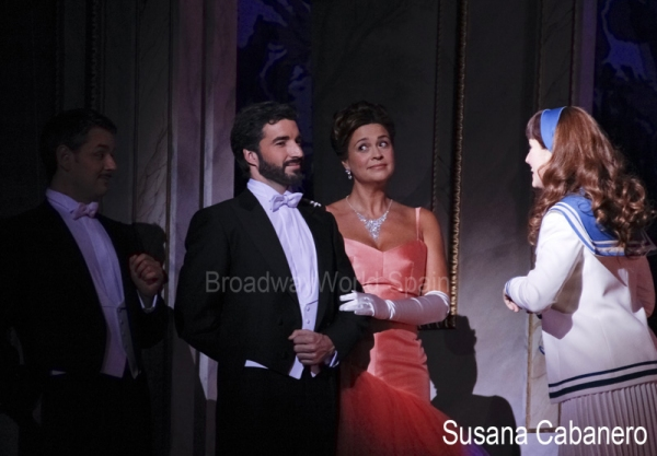 Carlos J. Benito y Loreto Valverde junto a Yolanda García Photo