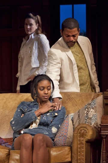 Photo Flash: First Look at STICK FLY!